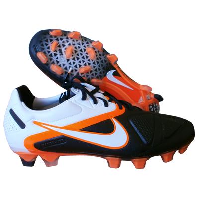3ecbf04754879 Como elegir el taco de bota más adecuado para cada terreno ...